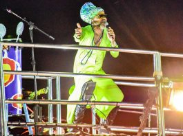 Carlinhos Brown no Carnaval de Porto Seguro