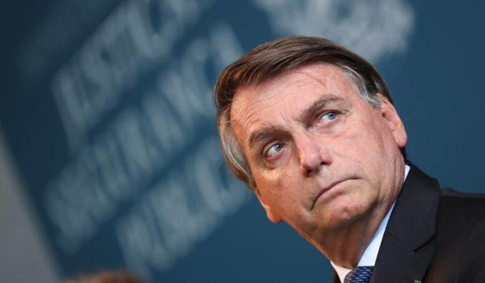 Cientista político diz que escândalos derrubaram bandeira anticorrupção de Bolsonaro