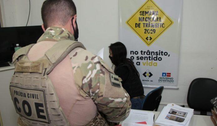 Polícia cumpre mandados de busca e apreensão em operação contra fraudes em licitações no Detran