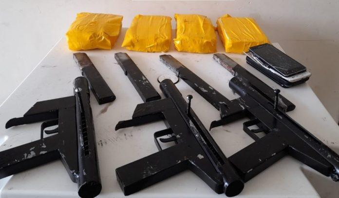 Armas apreendidas na ação em Jaguaquara, no sudoeste da Bahia