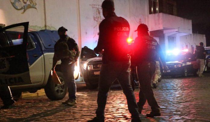Polícia cumpre mandados em operação contra grupo que ameaçou prefeita de Cachoeira