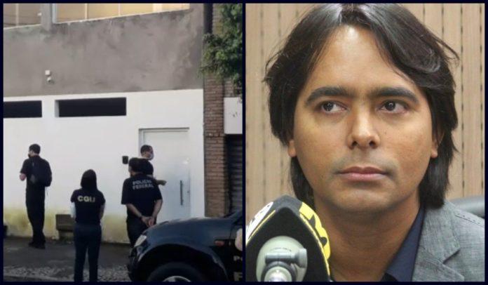 Prefeito de Candeias é detido após PF encontrar armas na casa dele