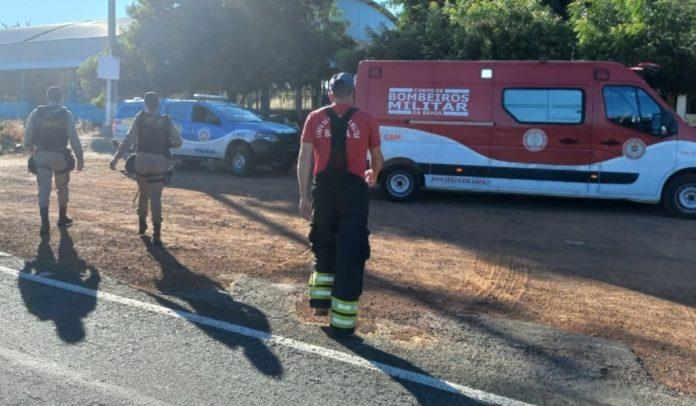 Motociclista morre após colidir com carro e ser arrastado por 10 km no oeste da Bahia