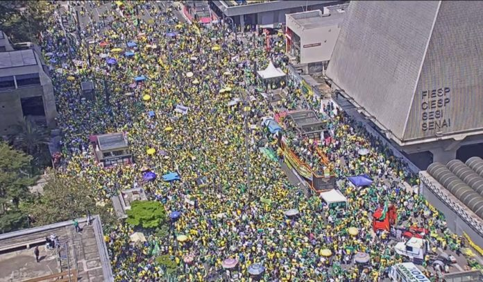Caminhoneiros processam Bolsonaro e apoiadores pelo 7 de Setembro
