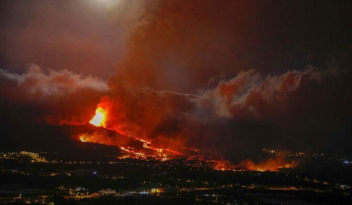 'Instabilidade' em vulcão nas Ilhas Canárias causa aumento no nível de alerta