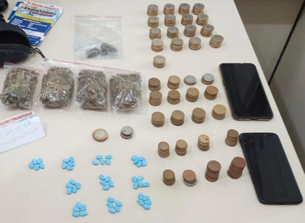 Homem é preso ao fazer 'delivery' de drogas sintéticas em praia de Lauro de Freitas