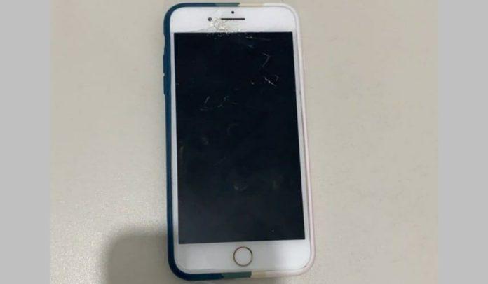 PM apreende celular roubado na posse de adolescente em Porto Seguro