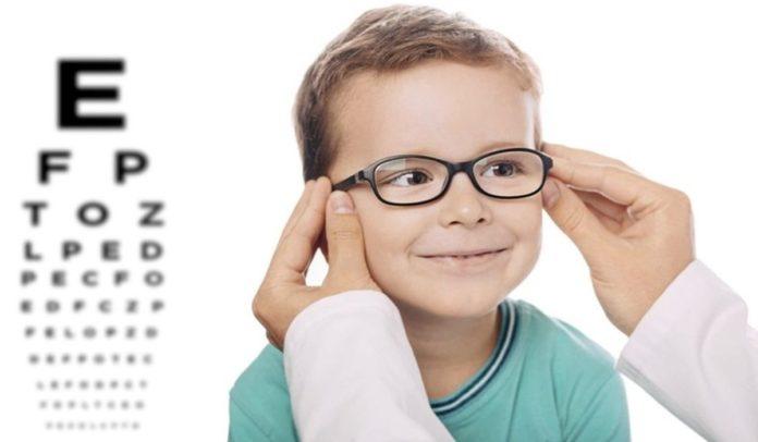 dez sinais para professores e pais de que a criança pode ter algum problema de visão