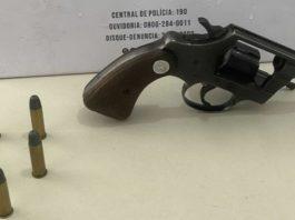 Polícia prende homem por porte ilegal de arma de fogo em Porto Seguro
